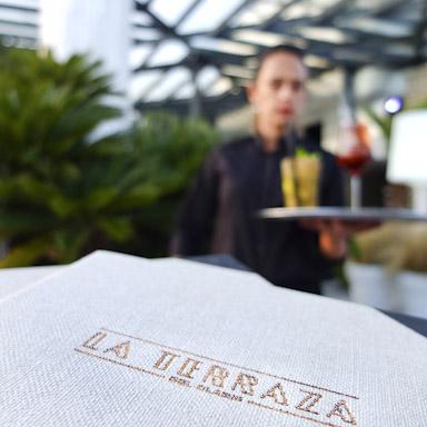 Terraza Hotel Claris Gran Lujo / Foto: Godo Chillida para Los Foodistas©